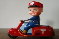 CARTERO EN MOTOCICLETA
